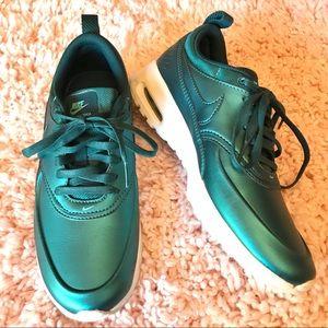 Nike Air Max Thea Sneaker in Metallic Green SZ 6.5